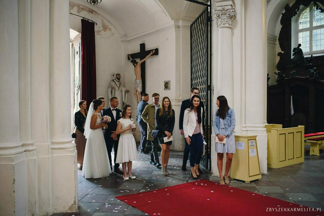 ceremonia klasztor w Ladzie Dworek Czardasz zbigniew karmelita fotografia konin 0032 1 -