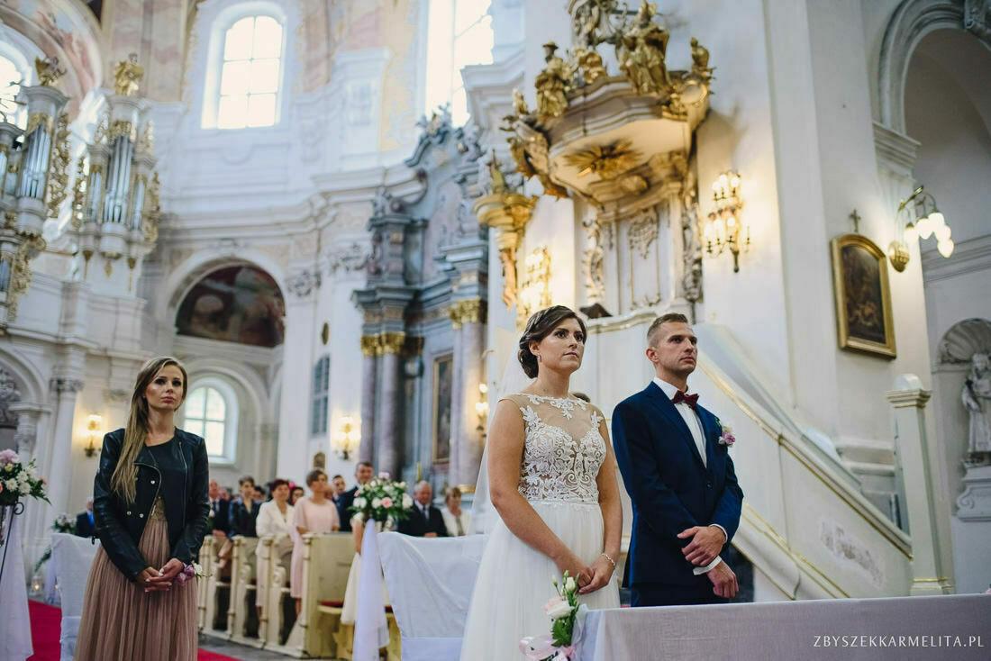 ceremonia klasztor w Ladzie Dworek Czardasz zbigniew karmelita fotografia konin 0037 1 -