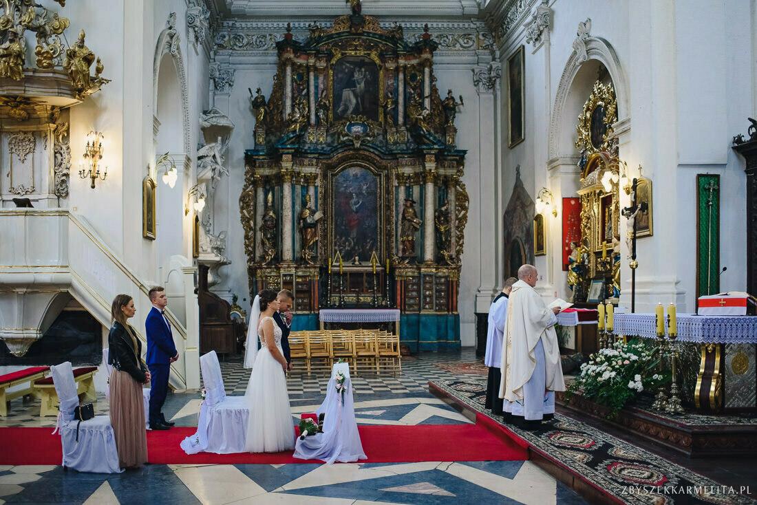 ceremonia klasztor w Ladzie Dworek Czardasz zbigniew karmelita fotografia konin 0038 1 -