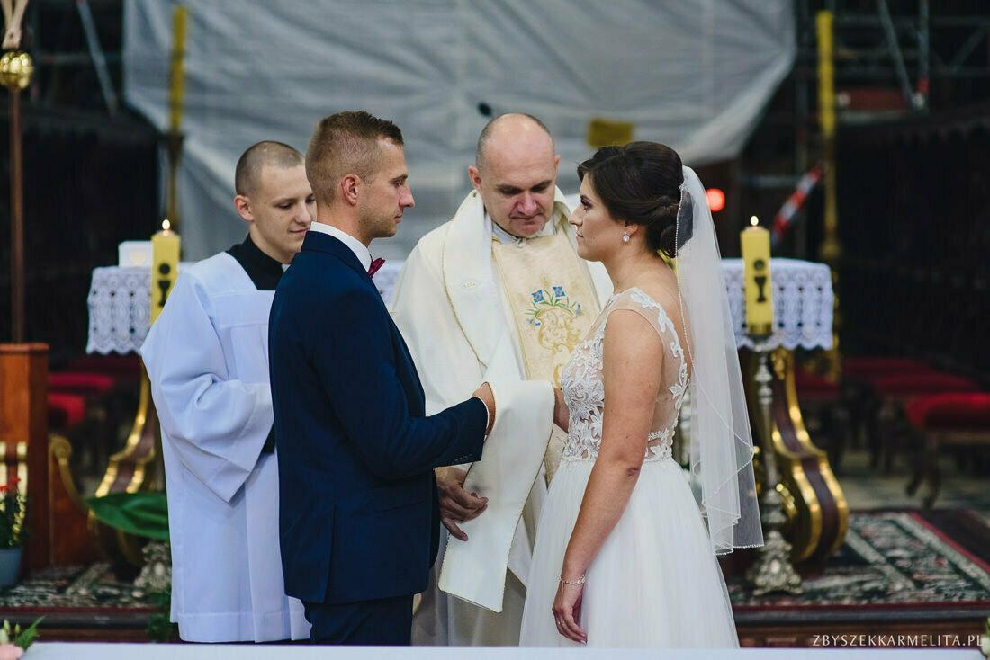 ceremonia klasztor w Ladzie Dworek Czardasz zbigniew karmelita fotografia konin 0039 1 -