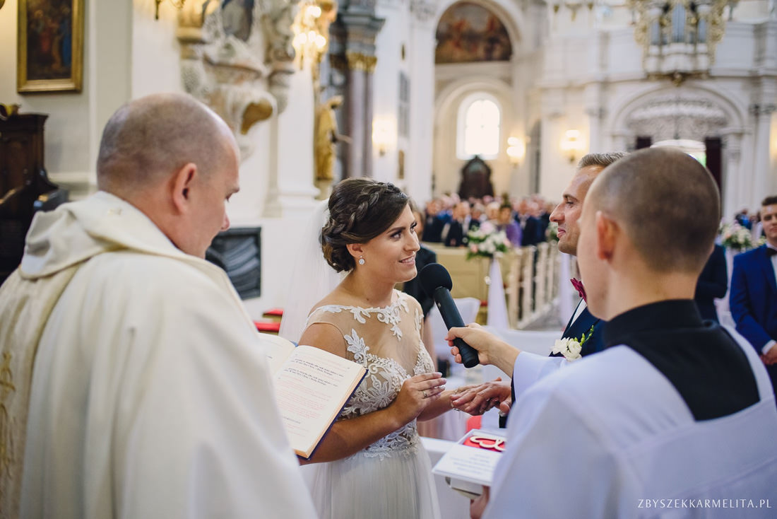 ceremonia klasztor w Ladzie Dworek Czardasz zbigniew karmelita fotografia konin 0043 1 -