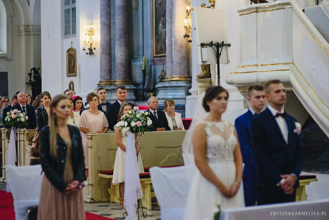 ceremonia klasztor w Ladzie Dworek Czardasz zbigniew karmelita fotografia konin 0045 1 -
