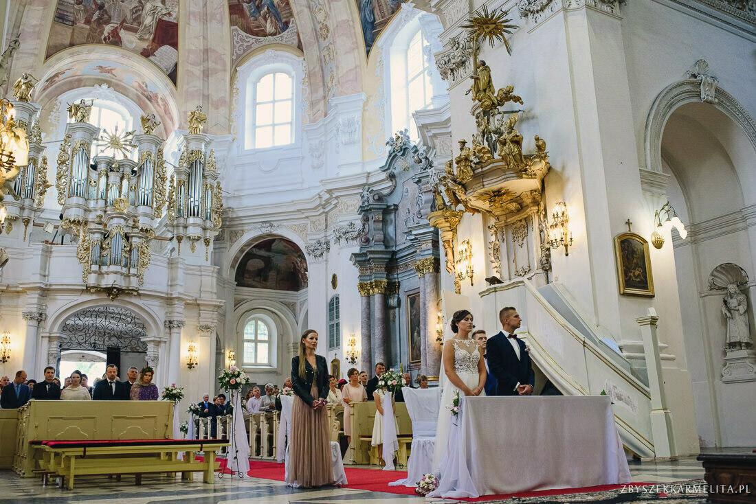 ceremonia klasztor w Ladzie Dworek Czardasz zbigniew karmelita fotografia konin 0046 1 -