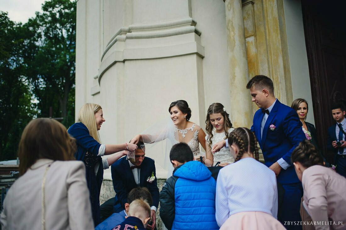 ceremonia klasztor w Ladzie Dworek Czardasz zbigniew karmelita fotografia konin 0053 1 -