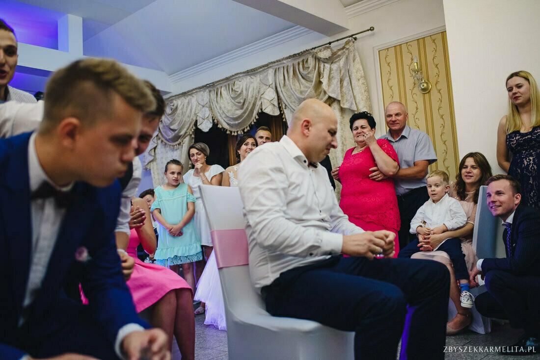 ceremonia klasztor w Ladzie Dworek Czardasz zbigniew karmelita fotografia konin 0118 1 -